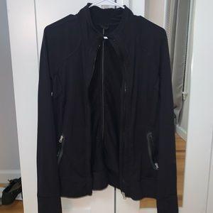 black lululemon sweater